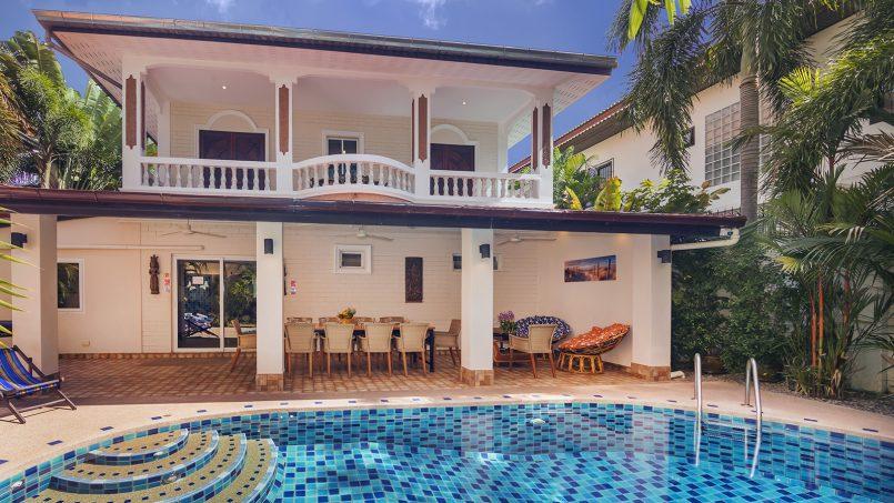Villa Waree private swimming pool